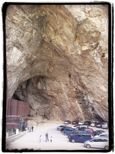 Entrada a la gruta de Niaux (Ariège) Pinturas rupestres  de 13 000 años ! Impressionnante!
