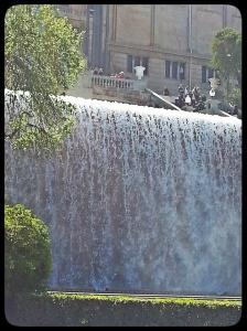 Fontaine devant le MNAC