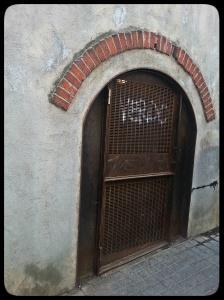 Une des portes.