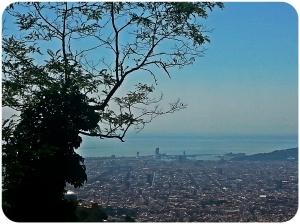 Vue de Barcelone depuis la Carretera de les Aigues